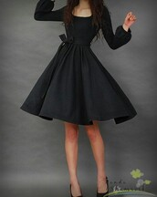 dress,black dress,flowy dress,puffy sleeve,elegant,perfect,knee length dress