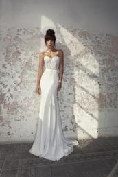 dress,corset,sheath,wedding dress,boned,mermaid,see-through bodice,lace,white dress,white wedding dress,long dress,bustier dress,bustier wedding dress,strapless dress,bun