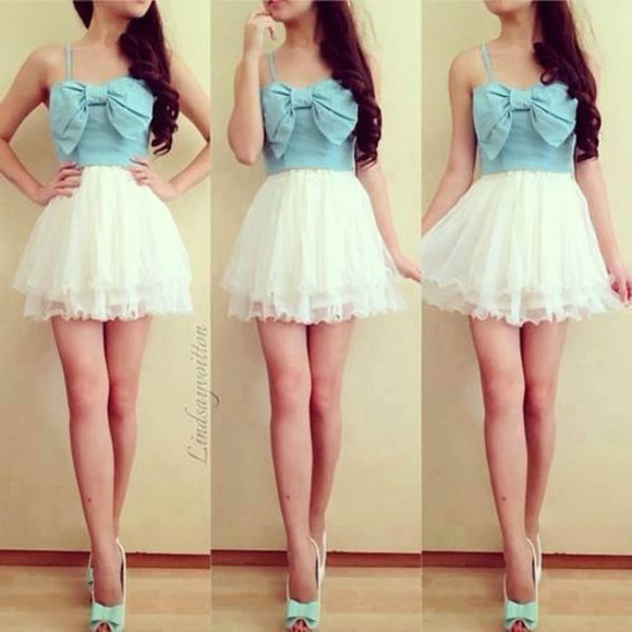 blue and white dress dress with bow mini dress skirt white denim bow blue bows white lace skirt cute crop tops bow front white dress poofy skirt shoes turquoise t-shirt amazing prom dress blue dress beautiful dress bun awesomness