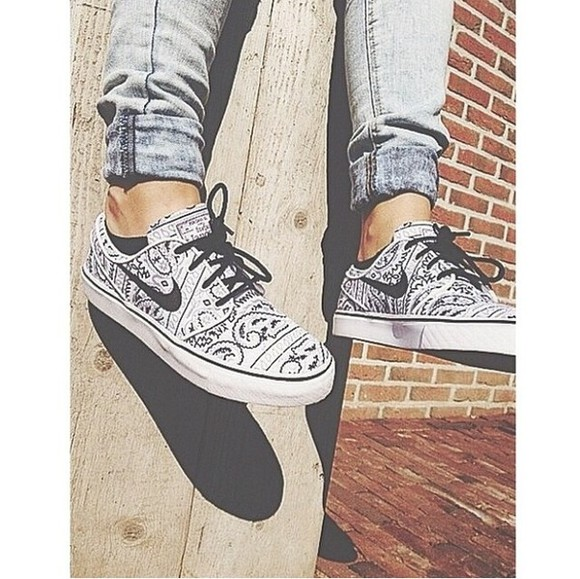 shoes nike sneakers nike sneakers black white blackandwhite shoes blackandwhite cute perfect