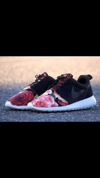shoes nike roshe run roses roshe runs floral roshes black nike sneakers