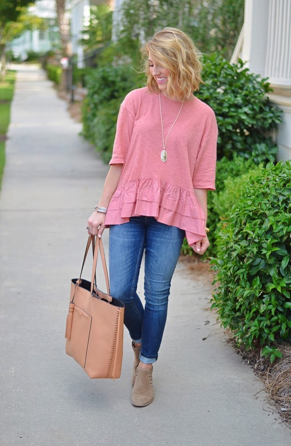 something delightful blogger t-shirt shoes bag jewels