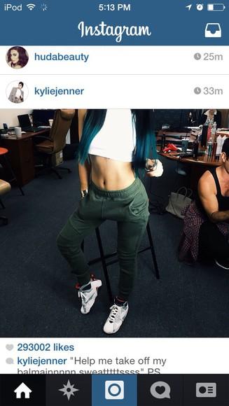 sweatpants dance olive kardashians kendall and kylie jenner kylie jenner kardashian khaos