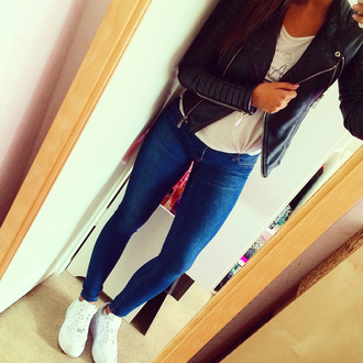 jacket biker jacket leather jacket leather cute outfits jeans nike nike air force 1 mirror selfie