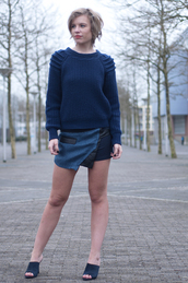 skirt,All navy blue outfit,All blue outfit,blue skirt,mini skirt,asymmetrical skirt,sweater,blue sweater,mules,blue shoes,suede mule