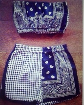 bandana,two-piece,matching two piece sett,bandeau,high waisted,paisley,indie,shorts and top,matching set,girl,top,shorts