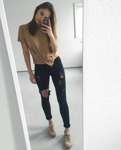 tight ripped jeans - Jean Yu Beauty