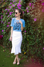 m loves m,blogger,t-shirt,skirt,shoes,bag,sunglasses,jewels,quote on it