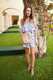 twenties girl style,blogger,romper,bag,jewels,shoes,clutch,blue romper,sandals