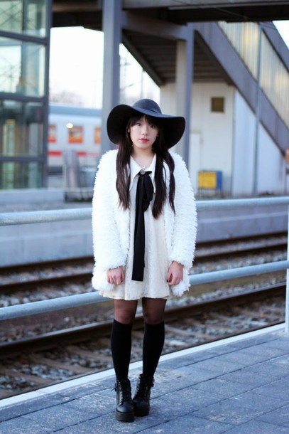 beauthi blogger dress felt hat white coat fuzzy coat collared dress coat hat jewels