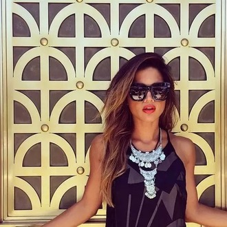 dress summer sunglasses red lips necklace