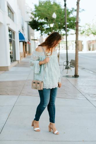 sandy a la mode blogger top jeans shoes bag jewels sandals shoulder bag summer outfits