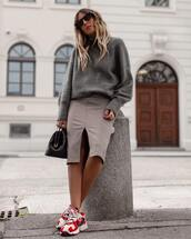 skirt,checkered,midi skirt,front slit skirt,sneakers,turtleneck sweater,oversized sweater,handbag,sunglasses