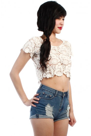 LoveMelrose.com From Harry & Molly | LACE CROCHET CROP TOP - IVORY