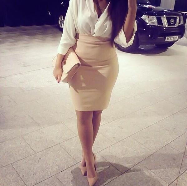 short skirt mini skirt nude classy night date outfit party mini bag job bag t-shirt skirt shoes