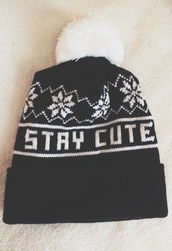 hat,toque,black,white,winter outfits,stay cute,beanie,cute,snowflake,pom pom,pom pom beanie,benie,snow hat,black and white