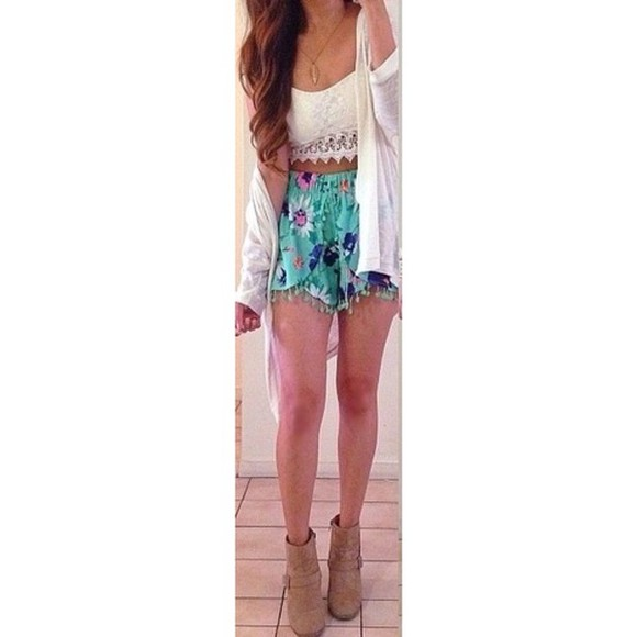 necklace pants cute outfits spring fashion spring spring trends 2014 spring 2014 high waisted short high waisted blue shorts croptops croptop white lace croptop lace crop top feather necklace tank top