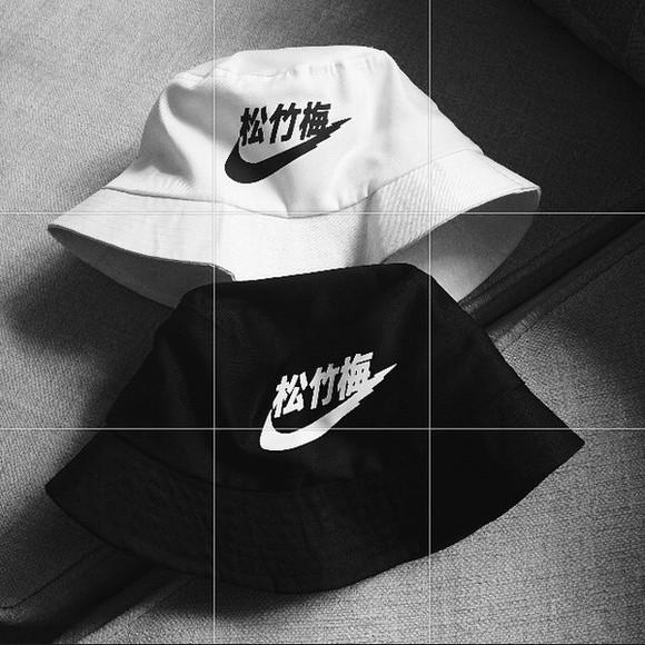 black hat white hat japanese asthetic bucket hat