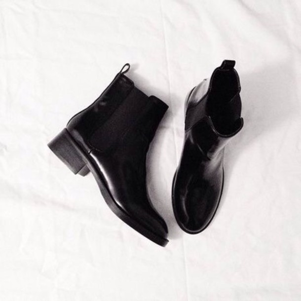 shoes chelsea boots gloss
