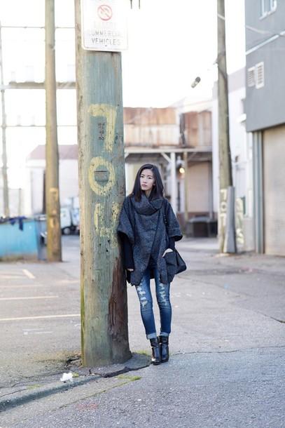 von vogue blogger grey coat ripped jeans