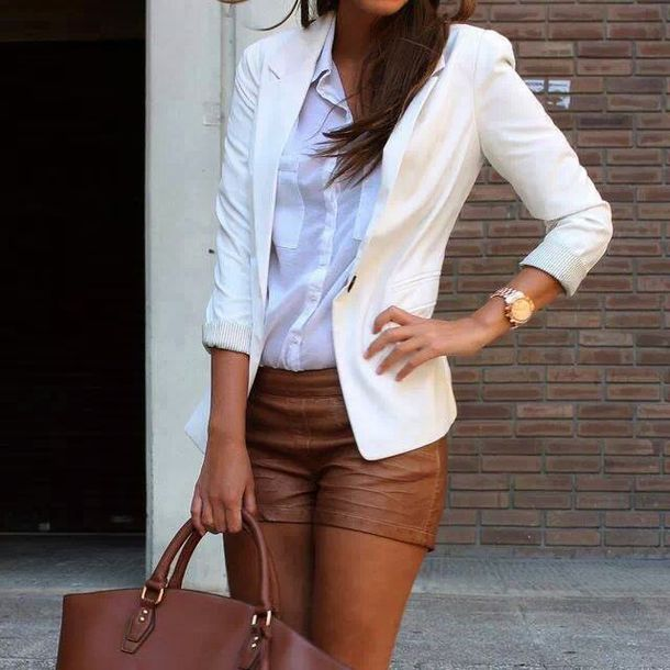 shorts, short faux cuir marron