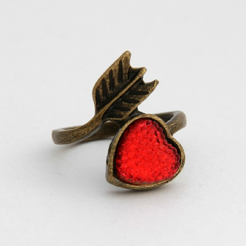 Vintage arrow heart ring
