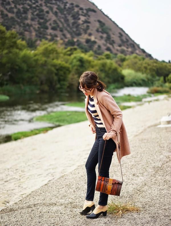 a fashion nerd blogger jacket bag jeans stripes native american camel