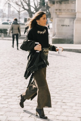 sweater black sweater pants khaki pants boots black boots work outfits