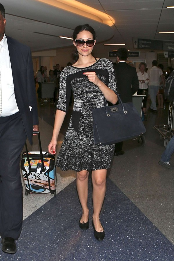 dress fall outfits emmy rossum bag