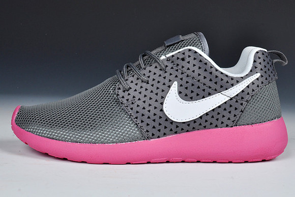 blonde salad shoes sea of shoes nike shoes womens roshe runs nike running shoes platform shoes summer shoes koko luxe runwaydreamz womens nike roshe runs