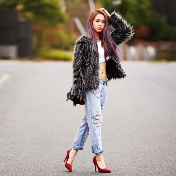 chloe ting t-shirt coat jeans shoes