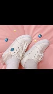 shoes,white sneakers,white,aesthetic,aesthetic tumblr