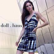 dress,style,blogger,fashion blogger,shopdollhaus,blue dress,sleeveless dress,shift dress,fashion,sexy v-neck dress,vneck dress,sleeveless