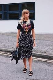 skirt,tumblr,midi skirt,floral midi skirt,floral,floral skirt,shoes,slide shoes,t-shirt,black t-shirt,belt