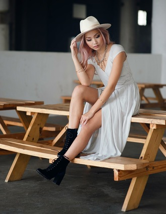 the blvck sheep blogger dress hat pastel hair long dress soft grunge black shoes necklace