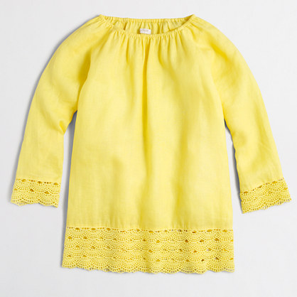 Factory linen three-quarter-sleeve blouse with lace hem