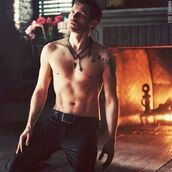 jewels,klaus,cross,feathers,the originals,fashion,necklace,the vampire diaries,menswear