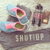 shoes,nike free run,jewels,pants,train,running,workout,jeans,grey jeans,fitness,sportswear,shorts,iphone case,iphone,snake print,snake,snake print case,snake print cover,snake cover,running shoes,nike running shoes,grey sweatpants,blue pink,tights,leggings,grey