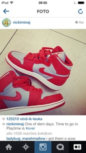 shoes,nike,nike shoes,red,grey,grey shoes,red shoes