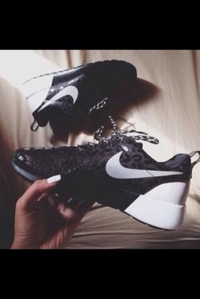 shoes black white nike roshe run run nike leopard print exclusive nike