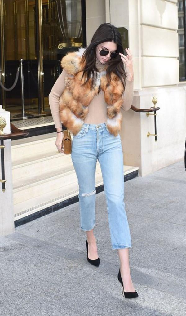 purse denim pumps model off-duty kendall jenner vest fur fur vest fashion week 2016 paris fashion week 2016 jeans printed fur vest