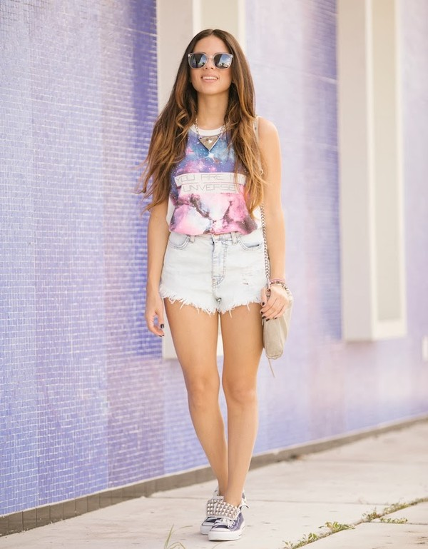 nany's klozet t-shirt shorts bag jewels sunglasses
