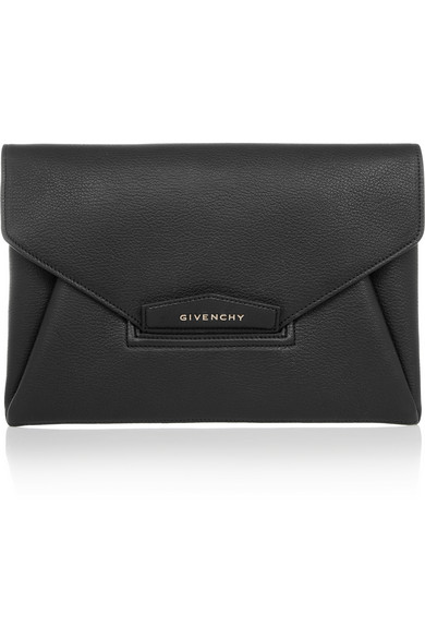 Givenchy | Antigona envelope clutch in black grained leather | NET-A-PORTER.COM