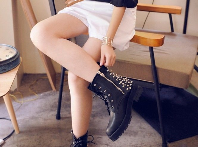 Hot ladies black spike studs punk gothic lace up engineer motorcycle ankle boots