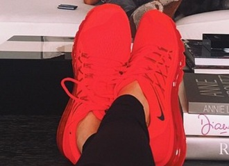 shoes nike red nike shoes red nike shoes red shoes sneakers red sneaker sportswear kendall jenner