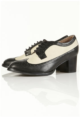 Jeddy off white two tone heeled brogues