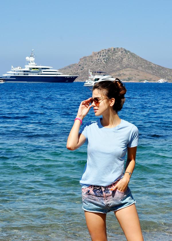 maritsa t-shirt jewels sunglasses