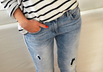 jeans decontracted t-shirt rayures dechired jeans beautiful fashion clothes vernis vernis a ongles skinny