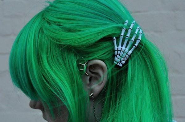 jewels hair green skull