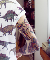 shirt,clothes,dinosaur,Dinosaur print,dino shirt,shirt from tumblr,tumblr,t-shirt,tattoo,tattoo guy,white,multicolor,graphic tee,white ts,top,pattern,print,vintage,alternative,roll-up,roll up sleeves,tumblr outfit,grunge,hipster